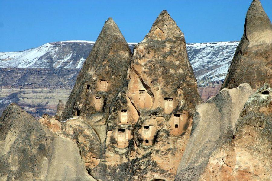 Cappadocie met besneeuwde bergtoppen