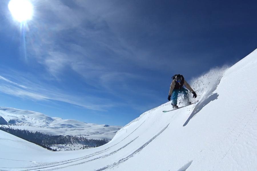 Sprong snowboard Goderdzi Georgië