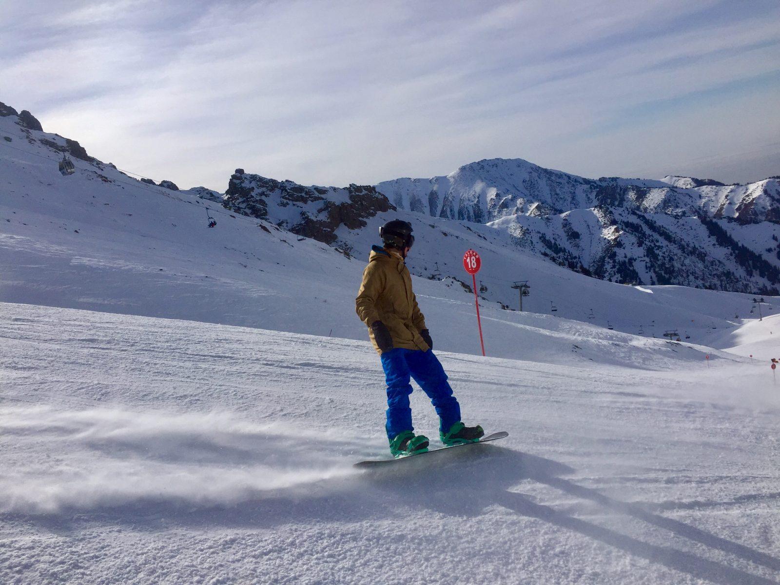 Afdaling Shymbulak skigebied Kazachstan