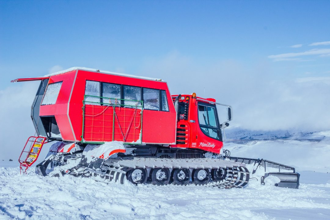 Cat Ski Kirgizië Pistenbully
